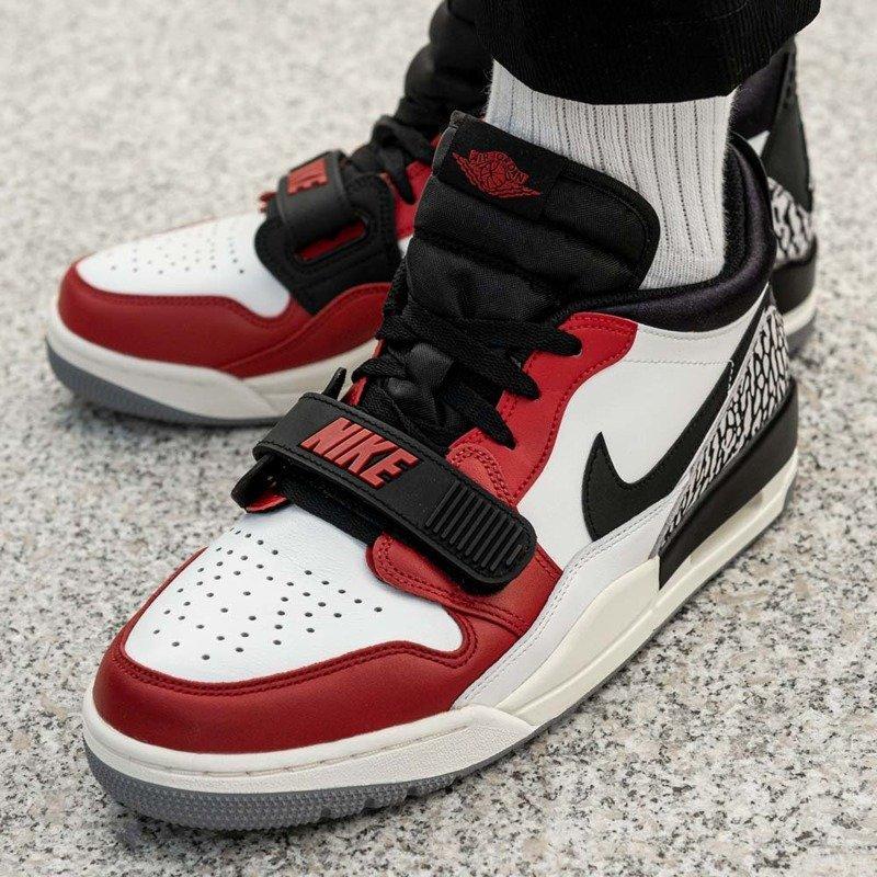 Buty sportowe męskie Nike Air Jordan Legacy 312 Low (CD7069 106)