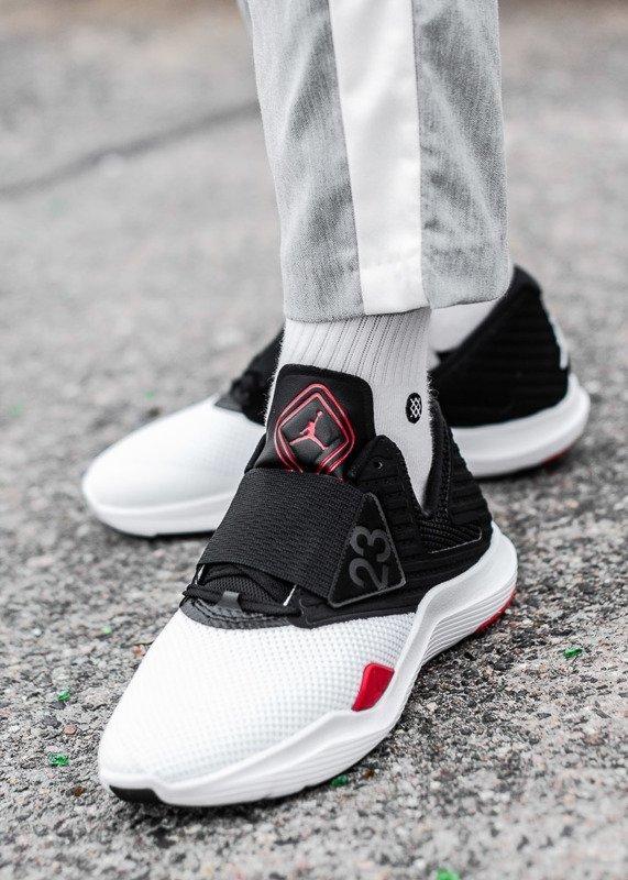 Buty sportowe męskie Nike Air Jordan Relentless (AJ7990 102)